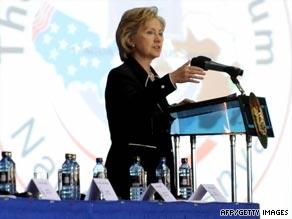 La Clinton durante il discorso